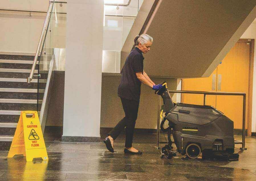 cleaning-cleaning-floor-crystal-fm-homepage